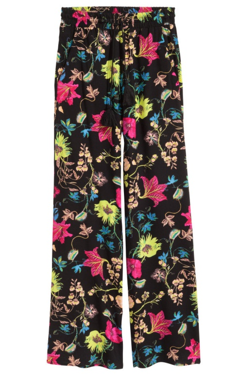 Wide-Cut Pants in Black Floral